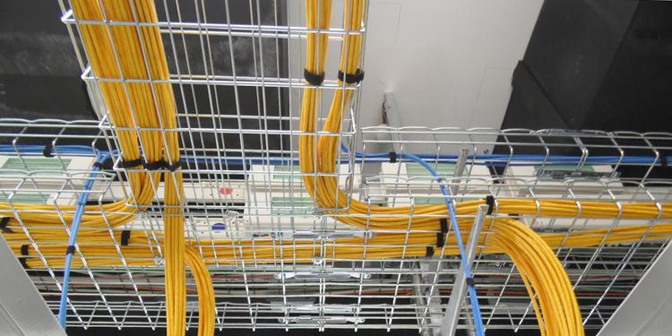 Netzwerkverkabelung Deckentrassen