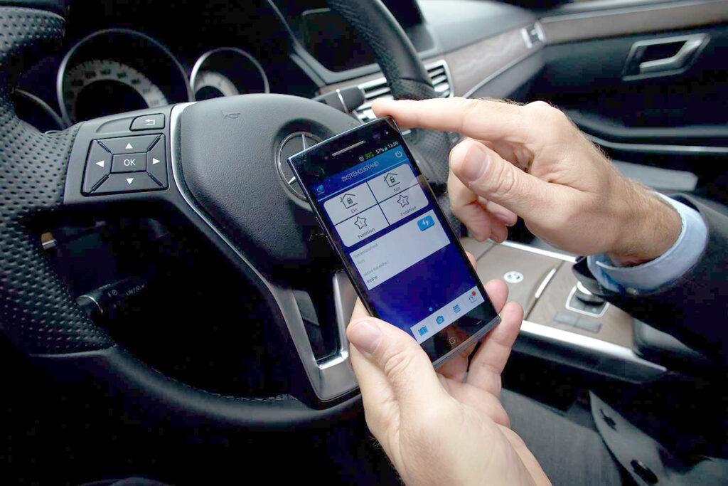 Smartphone_Brandschutz Funktionen Bedienung per App